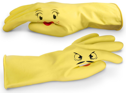 #5. Fred & Friends DISHPLAY Hand-Puppet Dish Gloves