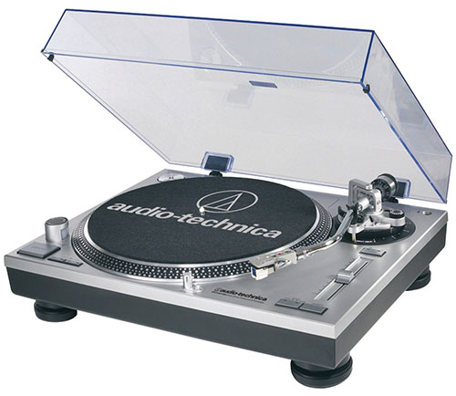 #5. Audio Technica AT-LP120-USB Direct-Drive Silver Turntable