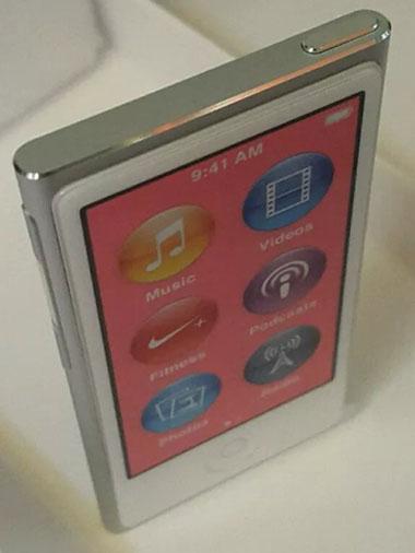 #2. Apple iPod nano 16GB Silver (7th Generation)